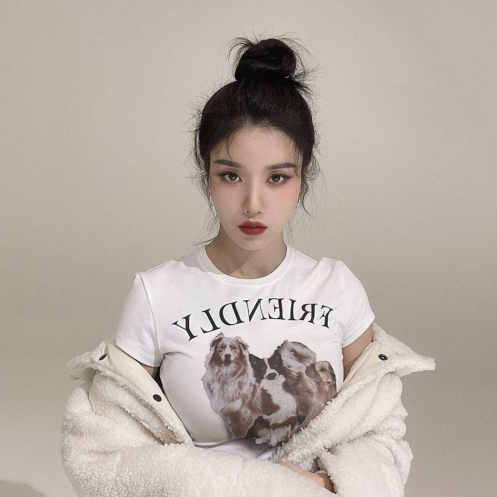 아이즈원 리더 권은비 인스타 -
