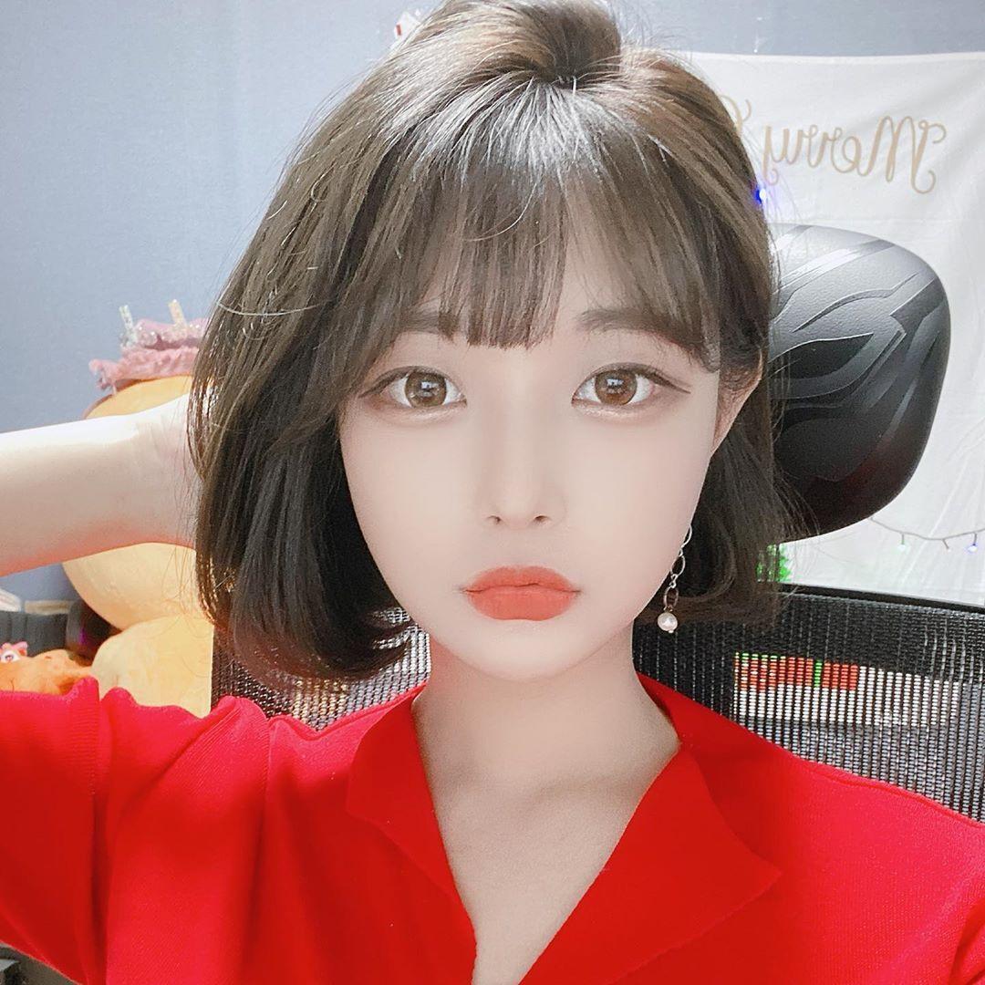 눈빛이 정말 매력적인 스트리머 김갑주
