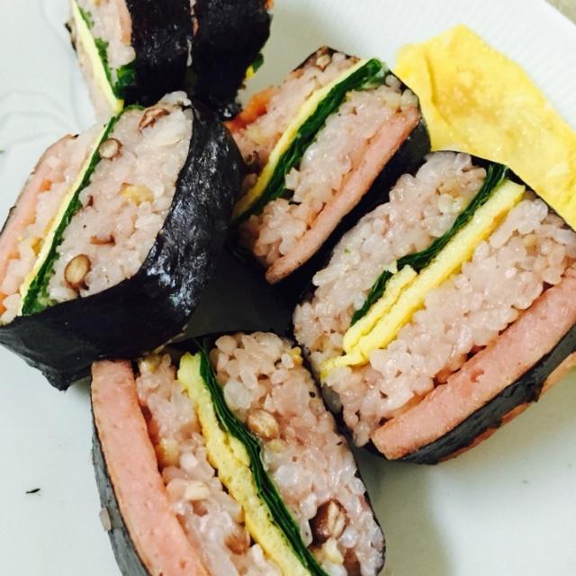 스팸 초밥 – 하와이언 무스비 느낌으로 입맛을 돋구자