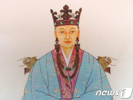 경남 김해시 서상동 김수로왕릉 내 허왕후의 영정© News1