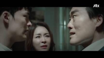 부모와 갈등을 빚던 영재(왼쪽)는 서울대 의대에 합격한 뒤 잠적해버린다. [사진 JTBC]