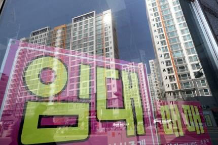 19일 전남 나주 혁신도시 비어있는 상가들. 나주/ 김봉규 선임기자 bong9@hani.co.kr