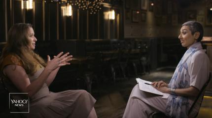 디즈니 가문 상속녀 애비게일 디즈니는 야후 파이낸스와의 인터뷰에서 신분을 숨긴 채 디즈니랜드를 방문했을 때 종업원들이 힘들어하는 모습을 보고 분노했다고 밝혔다.(사진=야후뉴스 캡처)