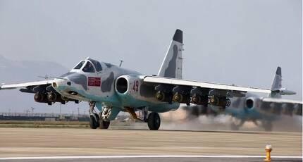 16일 열린 '조선인민군 항공 및 반항공군 비행지휘성원들의 전투비행술경기대회' 에서 수호이-25 공격기가 이륙하고 있다.[연합뉴스]