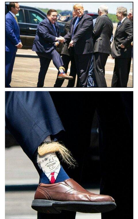 트럼프 대통령앞에서 양말 자랑하기.jpg
