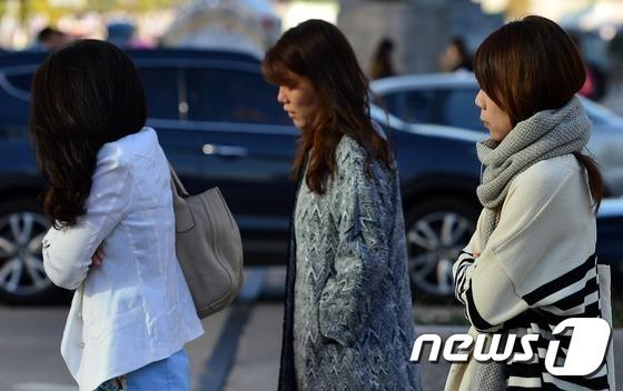 서울 광화문네거리에서 시민들. /뉴스1 © News1 손형주 기자
