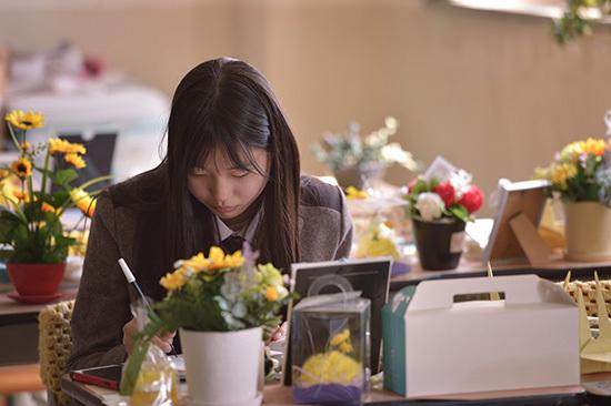 ⓒ시사IN 이명익 : 고 김동혁군의 동생 예원양(위)은 매일 오빠를 보기 위해 일부러 단원고에 진학했다.