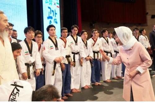 K스포츠재단의 태권도 시범단은 지난 5월 박 대통령의 이란 순방 때 공연을 펼쳤다. 사진=K스포츠재단 홈피