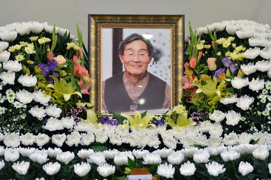 고 백남기씨가 사망한 지난달 25일 서울 종로구 서울대학병원 장례식장에서 빈소가 마련 돼 있다./ 사진=뉴스1