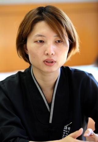 10월4일 서울대병원 장례식장에서 만난 고 백남기씨의 큰딸 백도라지씨. 정용일 기자