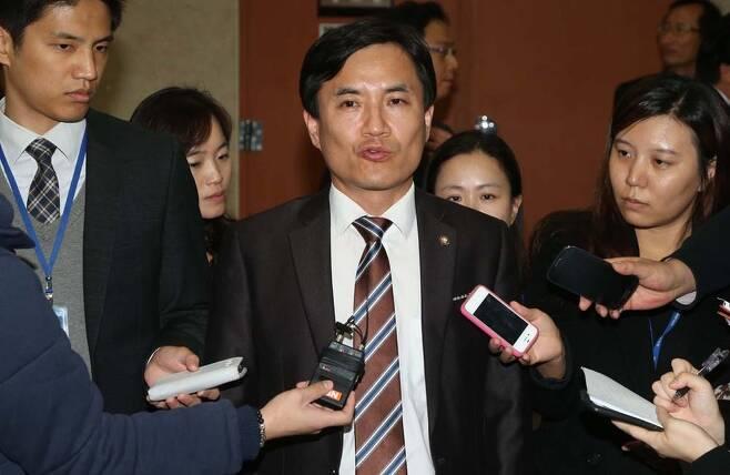 김진태 새누리당 의원. 이정우 선임기자 woo@hani.co.kr