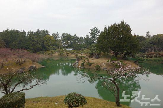에도시대 초기 유람식 일본 귀족 정원이었던 리쓰린 공원(사진=참좋은여행 제공)