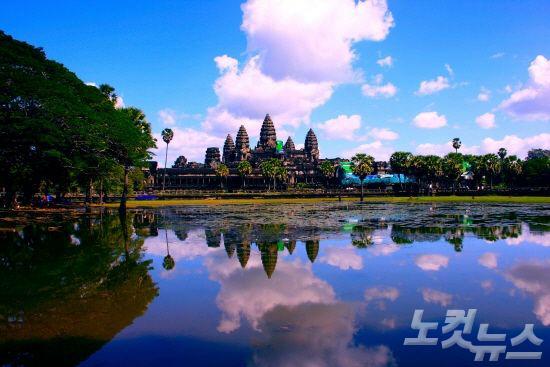 캄보디아에 위치한 앙코르문화의 대표 유적인 앙코르와트(사진=투어2000 제공)