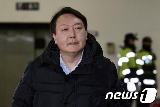 박영수 특별검사팀의 윤석열 수사팀장. 2017.2.18/뉴스1 © News1 민경석 기자