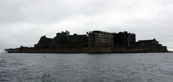 ⓒ연합뉴스 일본 나가사키 현에 위치한 군함도. 일제강점기에 조선인 광부들이 강제노동을 한 해저 탄광이 있었다.