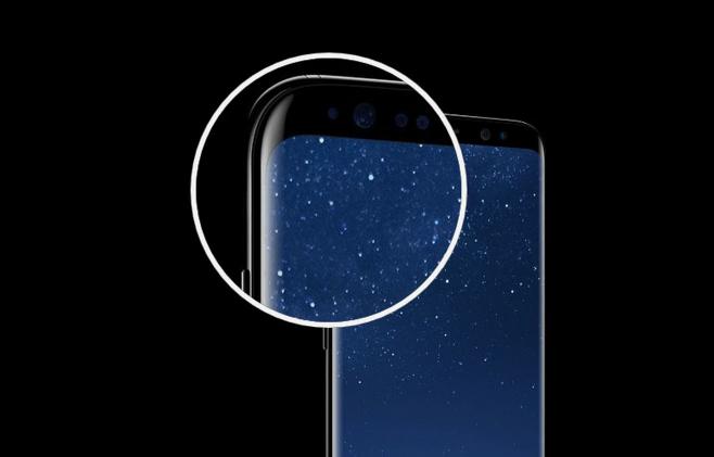 삼성 갤럭시S8의 곡면 디스플레이