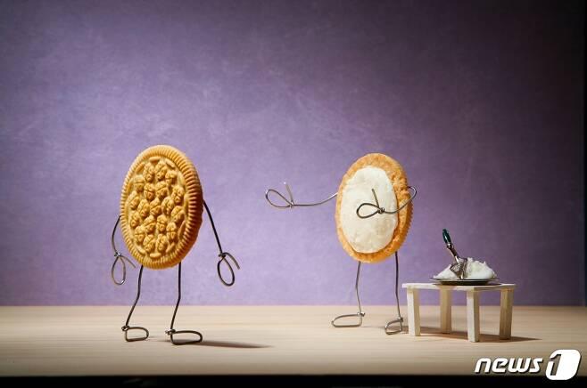 테리 보더, 백 마디 말보다 한 번의 포옹 Sandwich Cookies (사비나미술관 제공) © News1