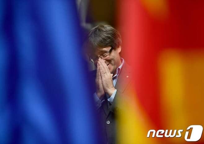 지난 1일 분리독립 투표를 실시하기 전 카를레스 푸지데몬 카탈루냐 자치정부 수반. © AFP=뉴스1