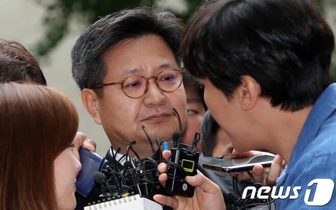 김장겸 MBC 사장이 지난 9월 5일 오전 서울서부고용노동지청에 자진 출석하는 모습./뉴스1 © News1