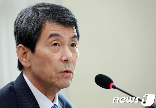 이동걸 산업은행회장./뉴스1 © News1 이동원 기자