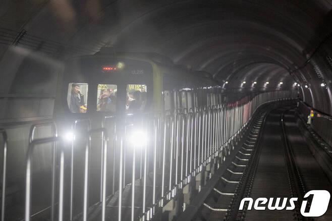 무인운행시스템으로 운영되는 경전철 우이신설선. 2017.9.3/뉴스1 © News1 유승관 기자