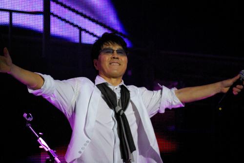 2008년 40주년 기념 콘서트에서 조용필은 2시간 30분 동안 35곡을 열창했다. [중앙포토]