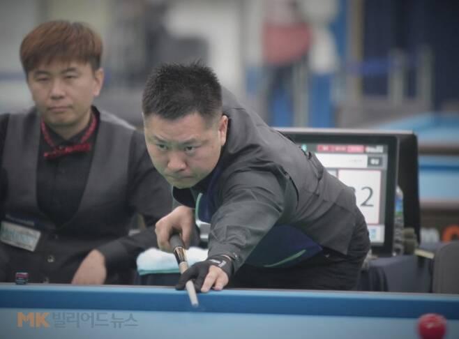 국내랭킹 3위 서현민(충남)은 16강전에서 김현우(경남‧77위)를 물리치고 준준결승에 올랐다.
