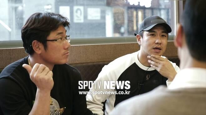 ▲ SK 김강민(오른쪽)과 박정권