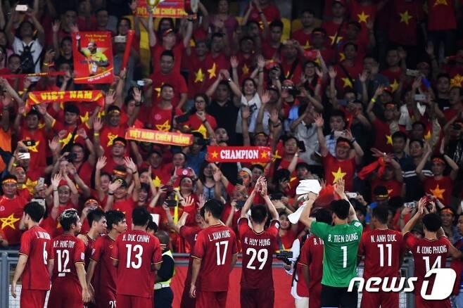 박항서 감독이 지휘봉을 잡은 뒤 베트남 선수들의 체력 수준이 크게 높아졌다. © AFP=News1