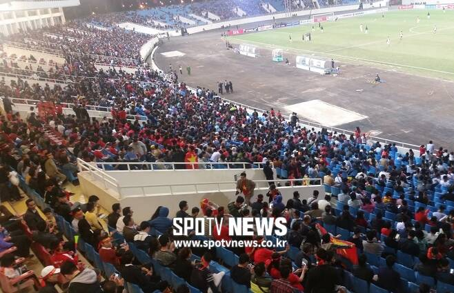 ▲ 많은 팬들이 북한과 평가전을 찾았다. ⓒ 김도곤 기자