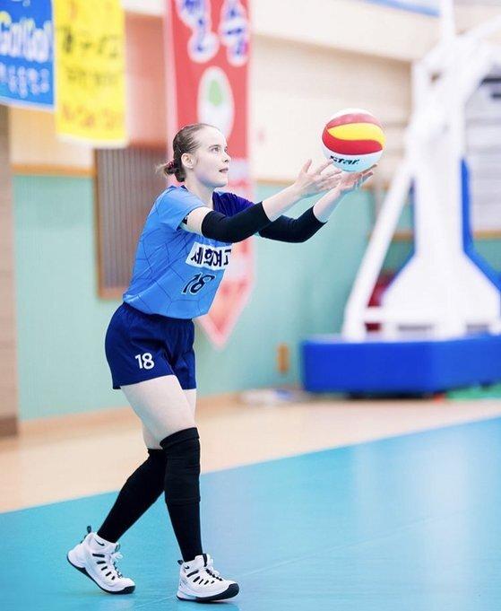 배구 선수로 프로 진출을 노리는 카베트스카야 율리아(18). [독자 제공]