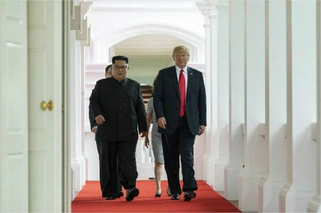 지난해 열린 1차 북미정상회담 당시 도널드 트럼프 미국 대통령과 김정은 북한 국무위원장. (사진=백악관 제공)