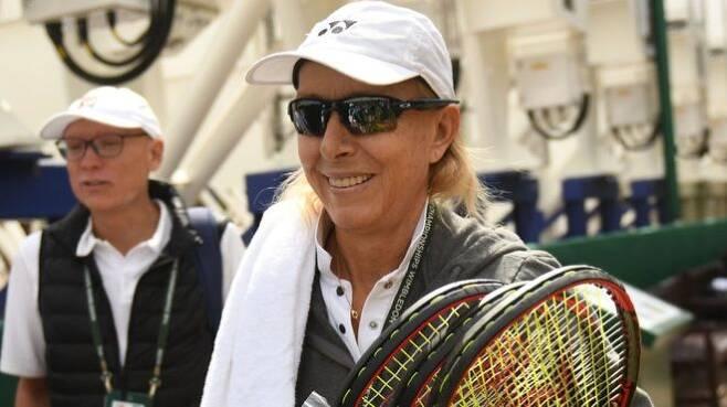 남성에서 여성으로 성을 바꾼 선수들이 그렇지 않은 선수보다 적지 않은 이득을 누릴 수 있다고 발언해 성적 소수자LGBT) 운동 지지자들로부터 배척받고 있는 테니스 레전드 마르티나 나브라틸로바.AFP 자료사진