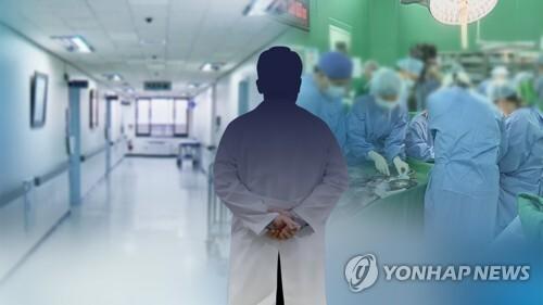 """의사 2명 중 1명 '전공의 트라우마'…""""과로·수면부족"""" (CG) [연합뉴스TV 제공]"""