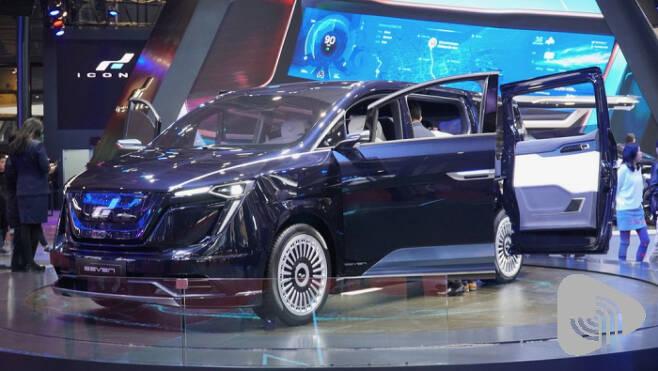 아이코닉의 7인승 SUV 콘셉트카