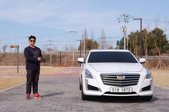 자동차 블로거 라스카도르가 캐딜락 CTS의 시승에 나섰다.