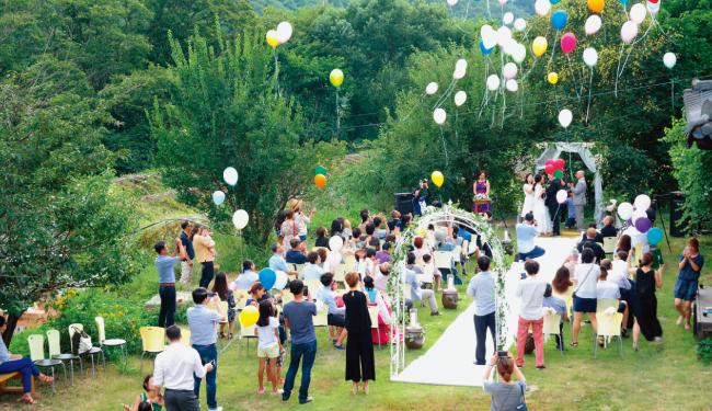 강원 홍천 '예술주조'에서 열린 결혼식. [사진 제공 · 예술주조]