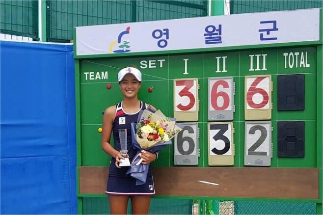 1일 ITF 영월 국제 여자테니스대회에서 생애 첫 프로 대회 단식 정상에 오른 구연우.(사진=스포티즌)