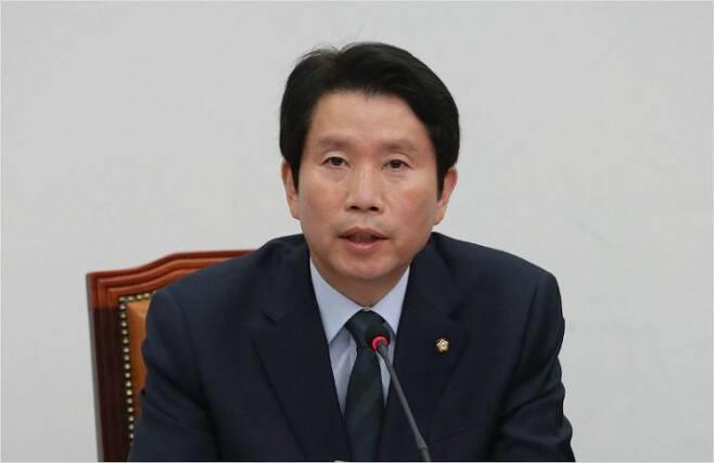 더불어민주당 이인영 원내대표가 23일 오전 국회에서 열린 최고위원회의에서 발언하고 있다.(사진=연합뉴스)
