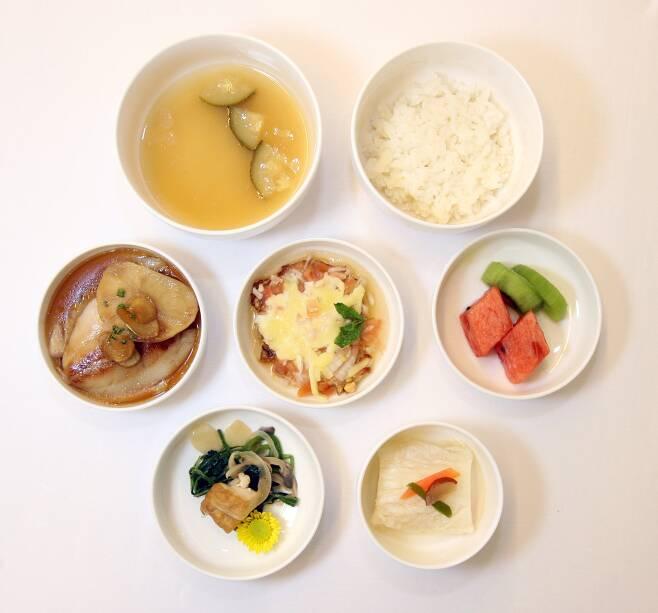 위암 수술 환자를 위한 식단. 여러 영양소가 고루 들어가 있다. [중앙포토]