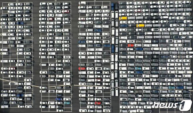 경기도 용인시 현대자동차 신갈출고센터에서 출고를 앞둔 차들이 대기하고 있다. 2019.11.10/뉴스1 © News1 조태형 기자