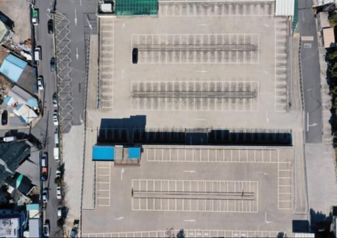 지난 23일 대구의 한 대형 결혼식장 주차장이 '코로나19' 확산 우려로 예약된 결혼식이 취소되면서 텅 비어있다. 대구=연합뉴스