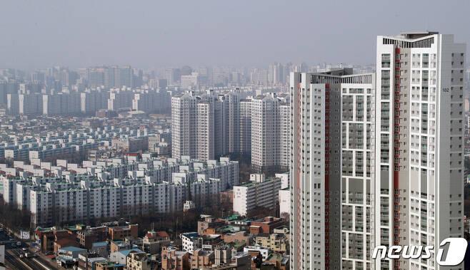 경기도 수원시내 아파트의 모습. © News1 조태형 기자