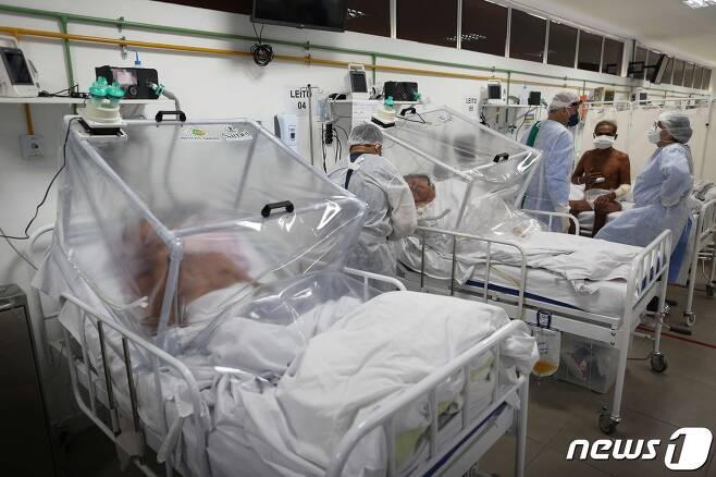 코로나19 환자들을 수용 중인 브라질의 한 병원. © AFP=뉴스1