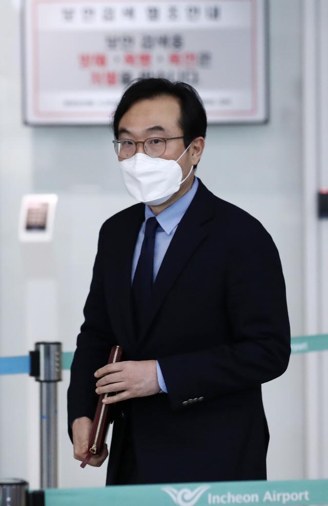 20일 귀국한 이도훈 외교부 한반도평화교섭본부장. /연합뉴스