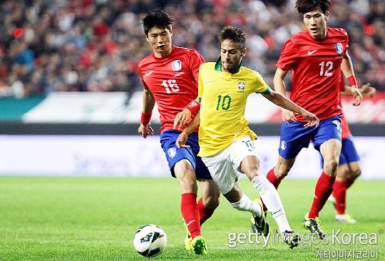 세 차례 월드컵 포함 A매치 110경기에 출전한 기성용(사진 맨 왼쪽)(사진=게티이미지코리아)