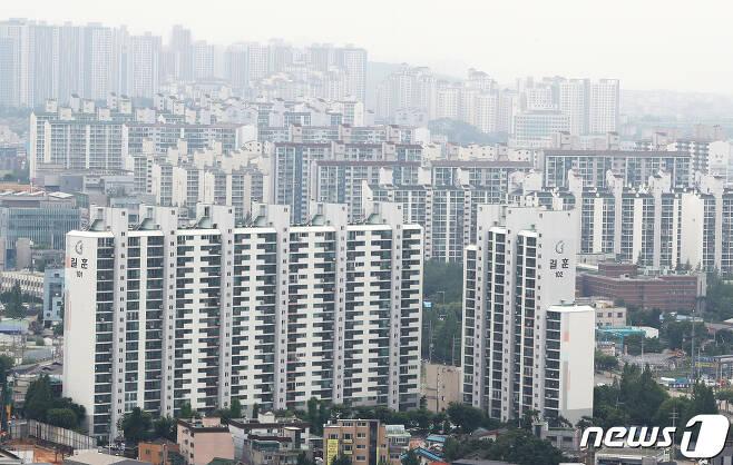 김포의 한 아파트.2020.6.29/뉴스1 © News1 이성철 기자