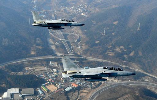 공군 FA-50 편대가 초계비행을 진행하고 있다. 공군 제공
