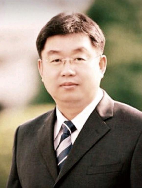 성추행 의혹으로 강압적 조사를 받다 극단적 선택을 한 고 송경진 교사 ⓒ유족 제공