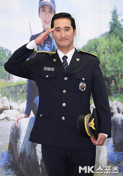 '슈퍼맨이 돌아왔다' 측이 배우 신현준 전 매니저 갑질 논란에 대해 확인 중이다. 사진=천정환 기자